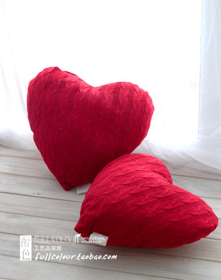 Nordic simple love heart knit hook flower Xiqing wedding wedding gift bed cushion couple pillow pillow