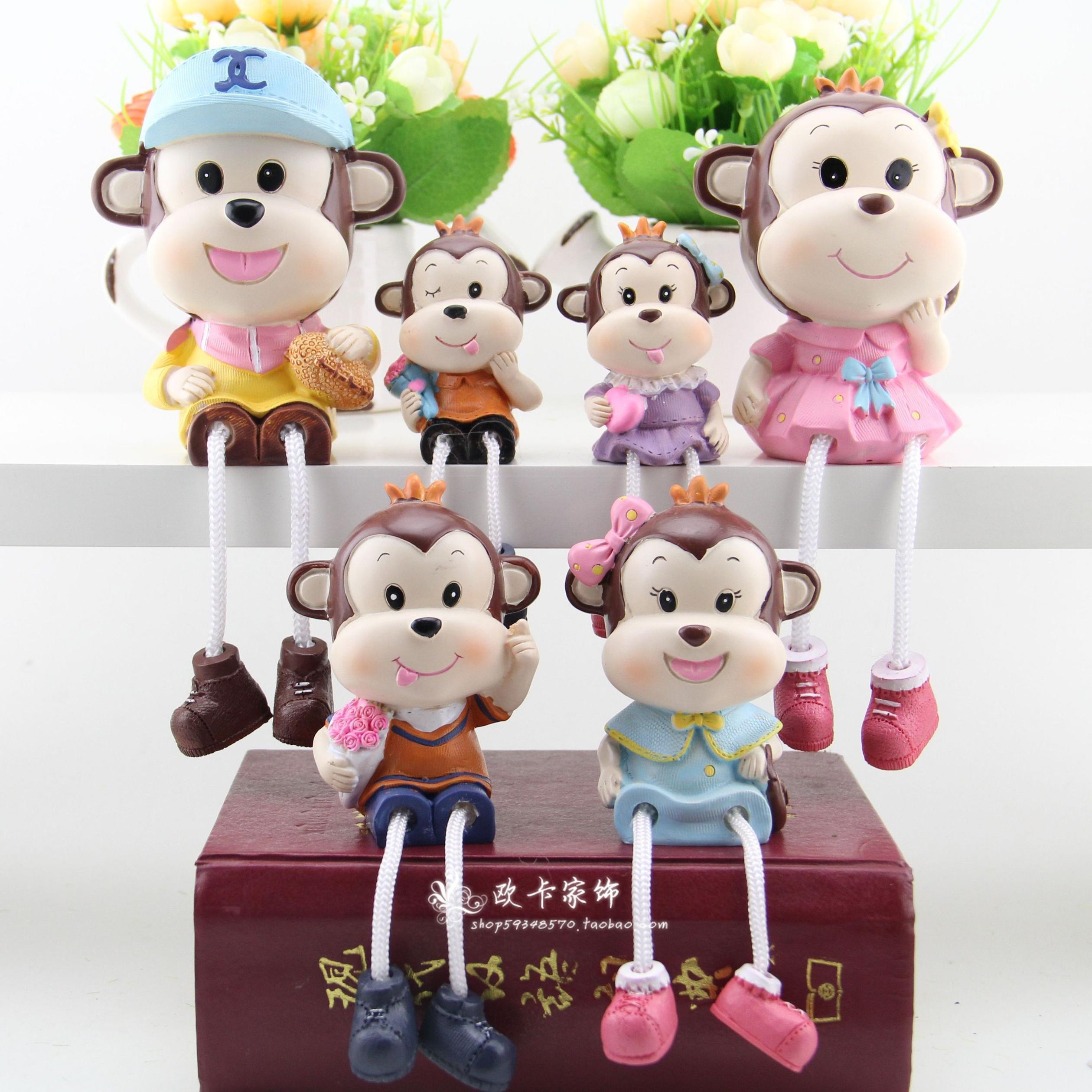 简约现代居家客厅软装饰品树脂娃娃猴子吊脚娃娃一家动物摆件创意