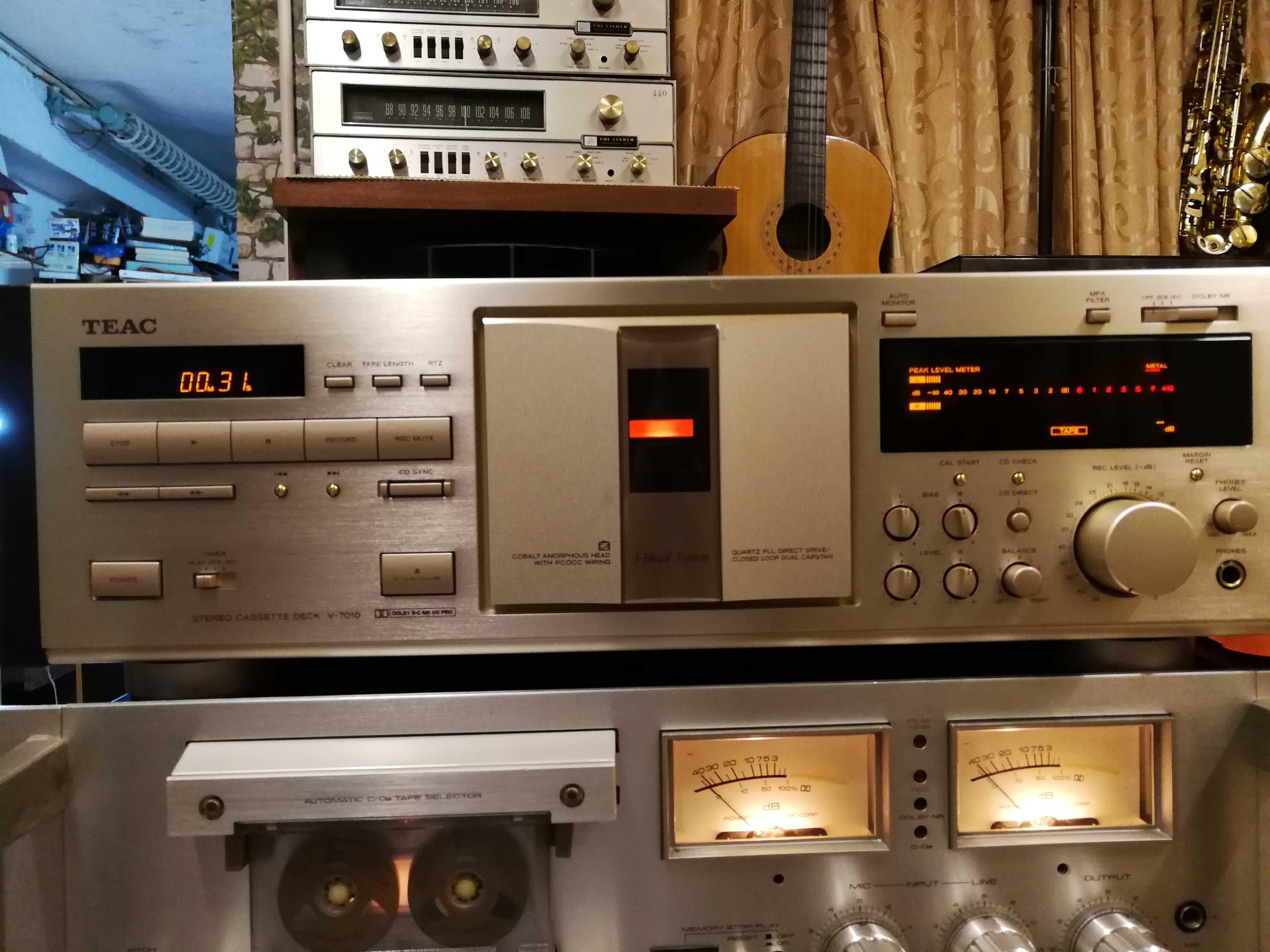 Касестный магнитофон Teac  V-7010