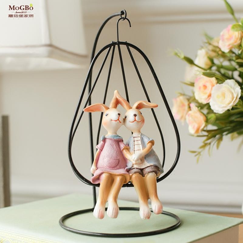 蘑菇堡树脂兔子摆件摇椅情侣兔家居装饰摆设田园吊篮兔礼品兔摆件