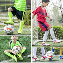 Authentic Lining, boys and girls, soccer shoes, pupil, boys, nails, TF, training shoes, skin and feet, artificial grassland.