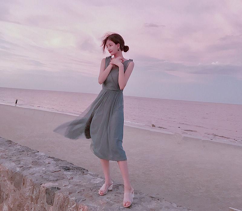 让这几款连衣裙帮你绽放迷人魅力 服装 第3张