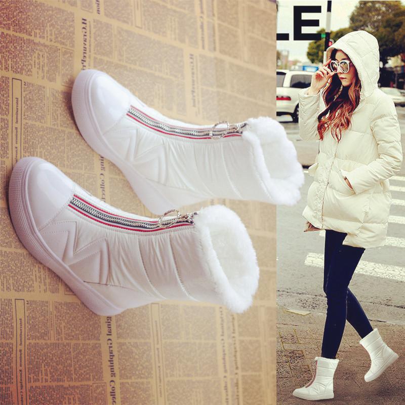 加厚加绒防水冬季雪地靴女鞋2019新款百搭白色短筒中筒平底棉靴子