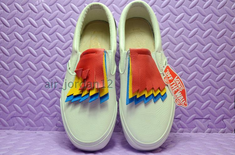 Спортивная обувь VANS  SLIP-ON VN0A38F7NPZ