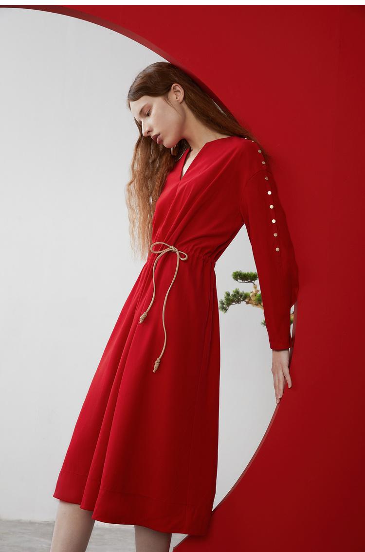 Lily2019春新款女装商务收腰版型,腰部系绳,金属扣长袖连衣裙