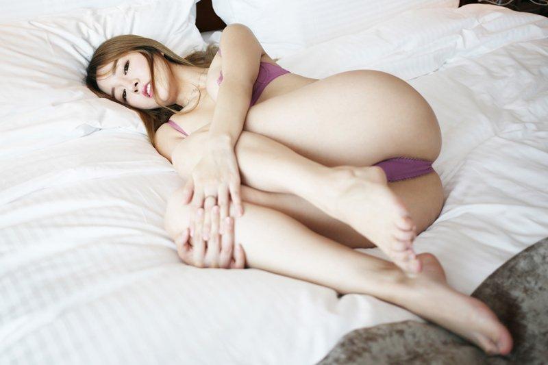 福利美图_性感美女王雨纯飘飘长发巨乳隐约可见