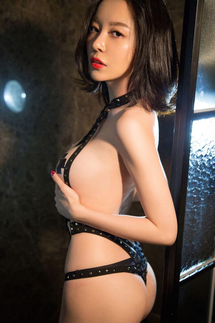 福利美图_绝色熟女慕羽茜性感撩人玩SM丰满美胸撩你心