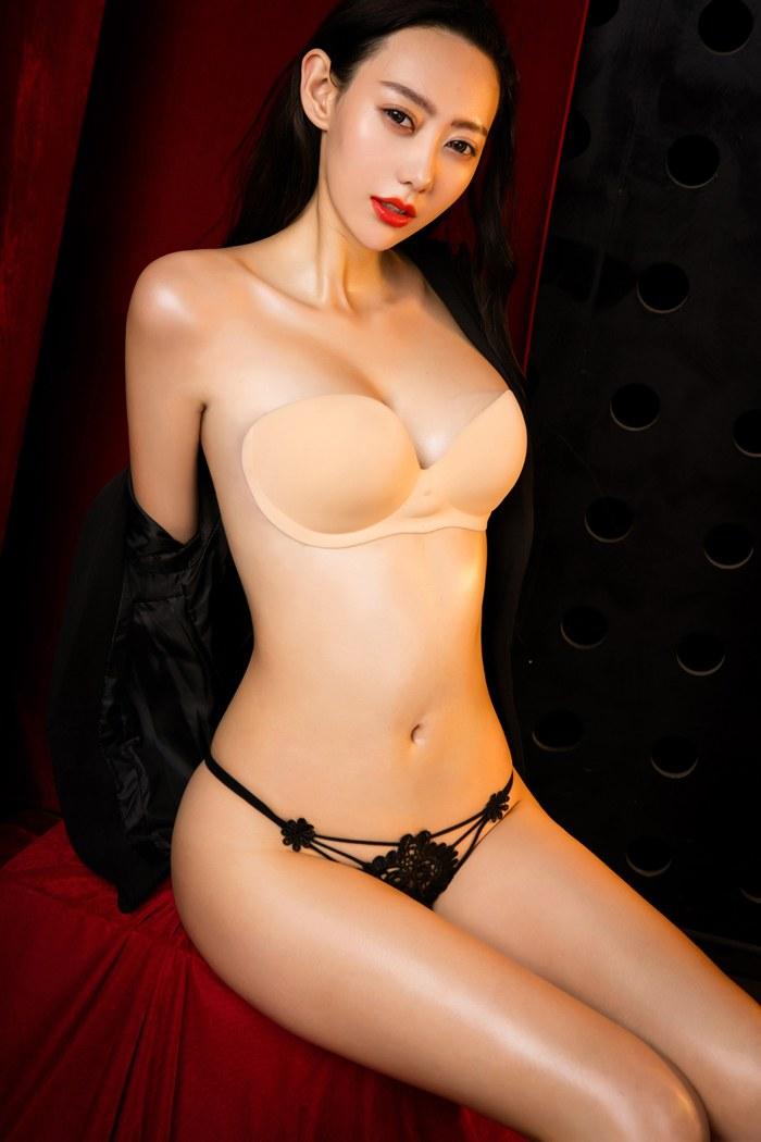 福利美图_妖娆美女艺轩翘臀美胸让人欲罢不能