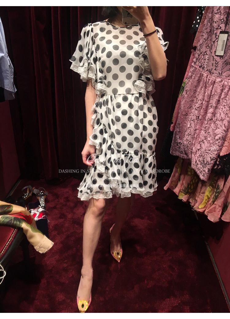 Châu âu và Hoa Kỳ thương hiệu lớn D với 2017 mùa hè mới điểm sóng mô phỏng mỏng lụa lá sen tay áo ren bên váy nữ