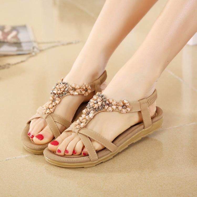 夏季韩版新款平跟水钻凉鞋平底凉拖甜美花朵休闲沙滩鞋女凉鞋套脚