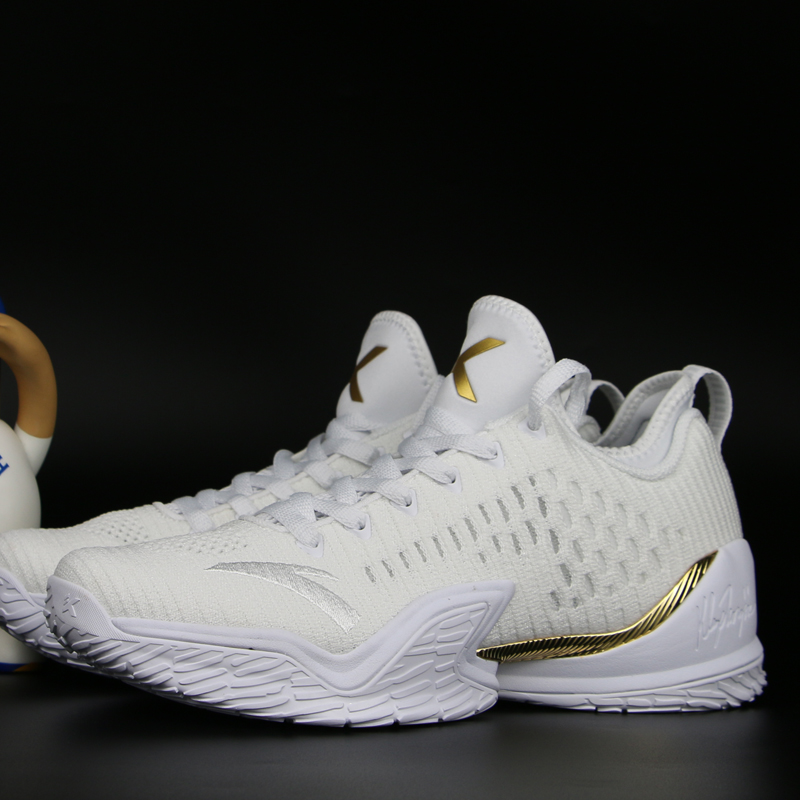 2ef43da9d7a5 Anta basketball shoes Thompson three generations 2018 autumn and winter new  KT3 finals low to help basketball boots KT4 men s shoes