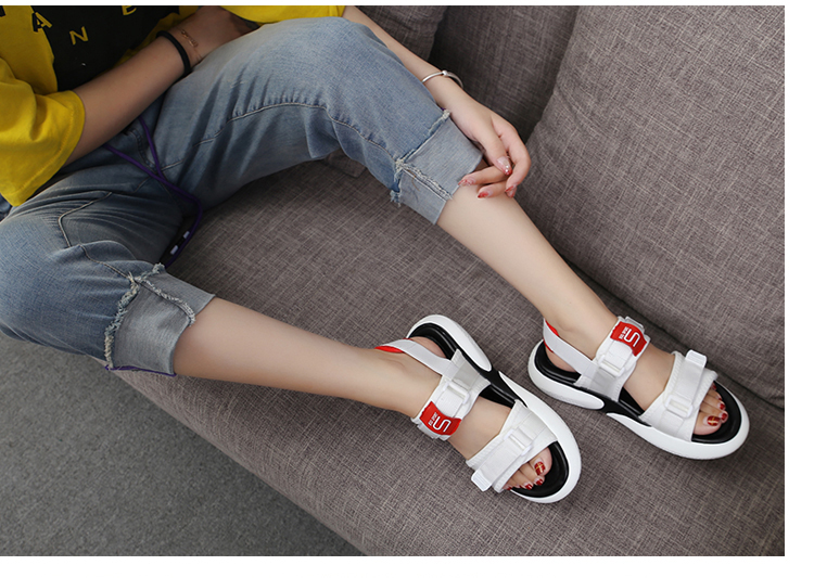 Summer 2018 new flat sandals female students wild magic stickers casual shoes. 70