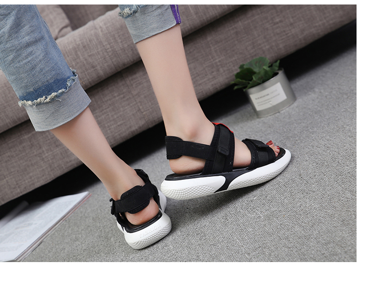 Summer 2018 new flat sandals female students wild magic stickers casual shoes. 67