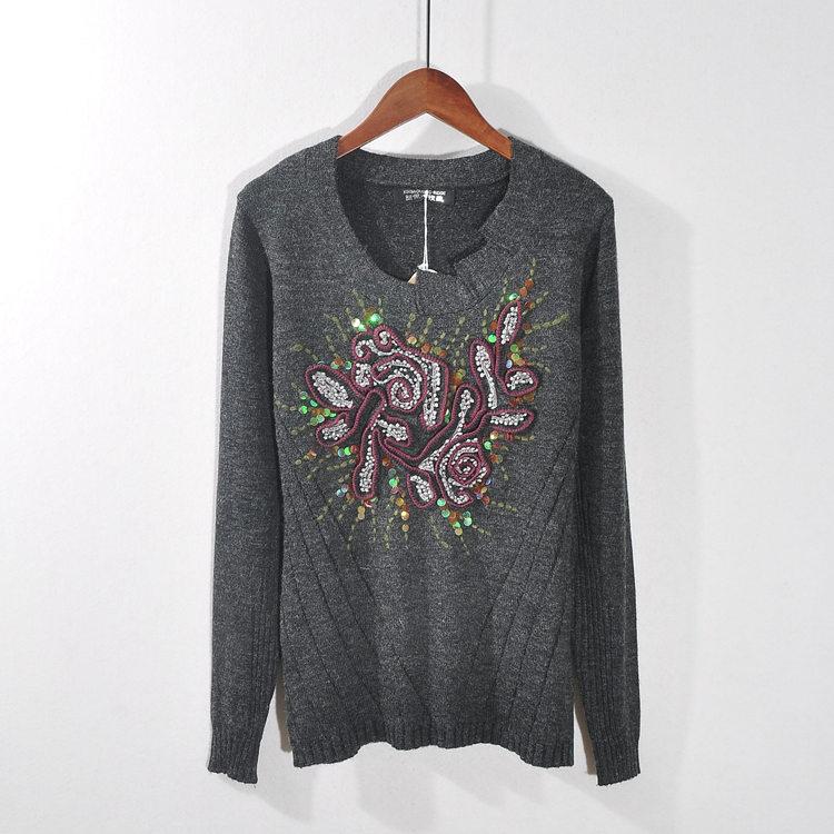 秋冬季长袖亮片绣花套头钉珠打底衫圆领毛衣女装v长袖针织衫
