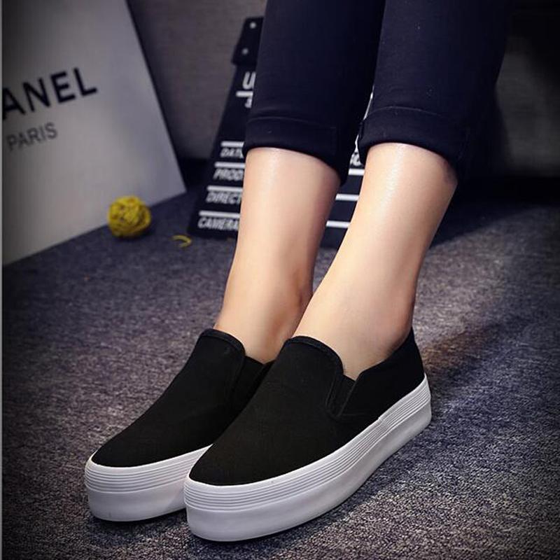 人本白色帆布鞋女夏内增高小白鞋厚底布鞋学生女鞋黑色松糕跟板鞋