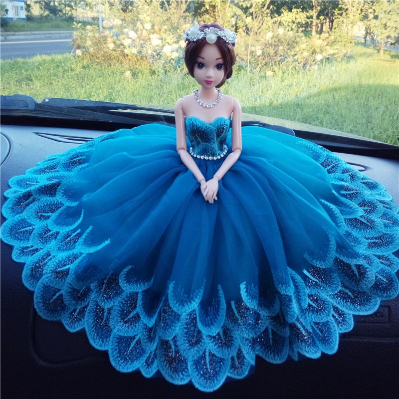 韩国时尚镶钻车载娃娃婚纱芭比汽车摆件节日结婚礼物车内装饰品