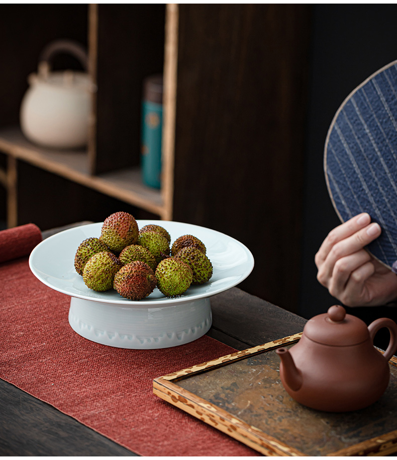 Chinese pottery and porcelain high fruit bowl tea table retro dessert snacks Japanese filtering type the nut plate tray