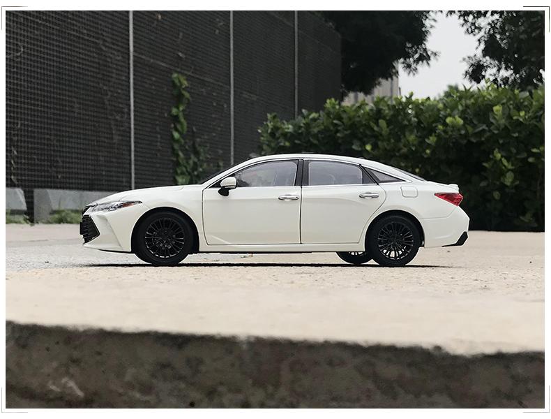 Xe mô hình Toyota Asia Dragon AVALON tỉ lệ 1:18 - ảnh 10