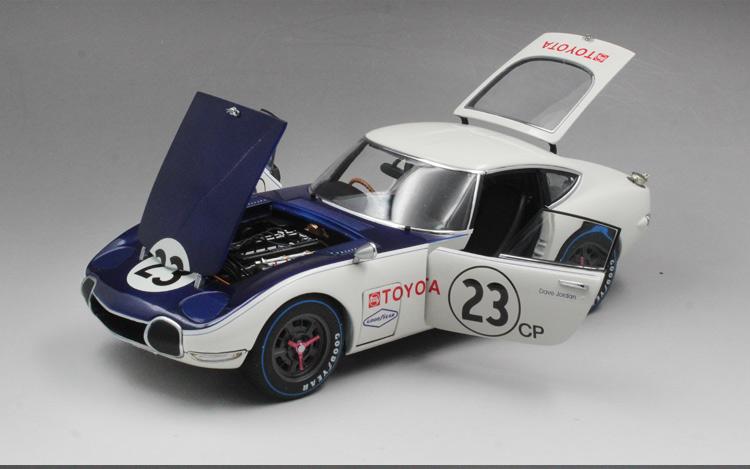 Xe mô hình Toyota 2000GT SCCA tỉ lệ 1:18 - ảnh 15