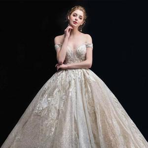 一字肩重工主婚纱礼服2018新款女新娘法式复古长拖尾赫本星空蓬蓬