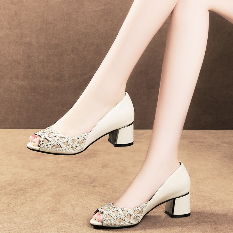 3a4defc69b2 Fish mouth single shoes women with thick with high heels 2018 new fashion  Rhinestone sexy scoop shoes wild shoes Korean version