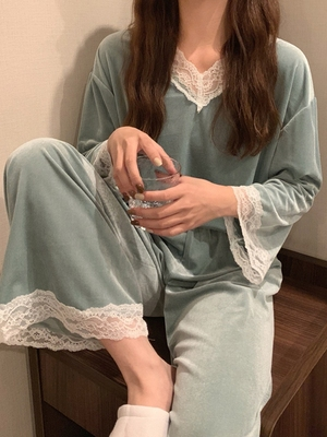 taobao agent Spring and Autumn Korean version 2021 new style can be worn outside lace stitching velvet loose long-sleeved pajamas women's home service two-piece suit