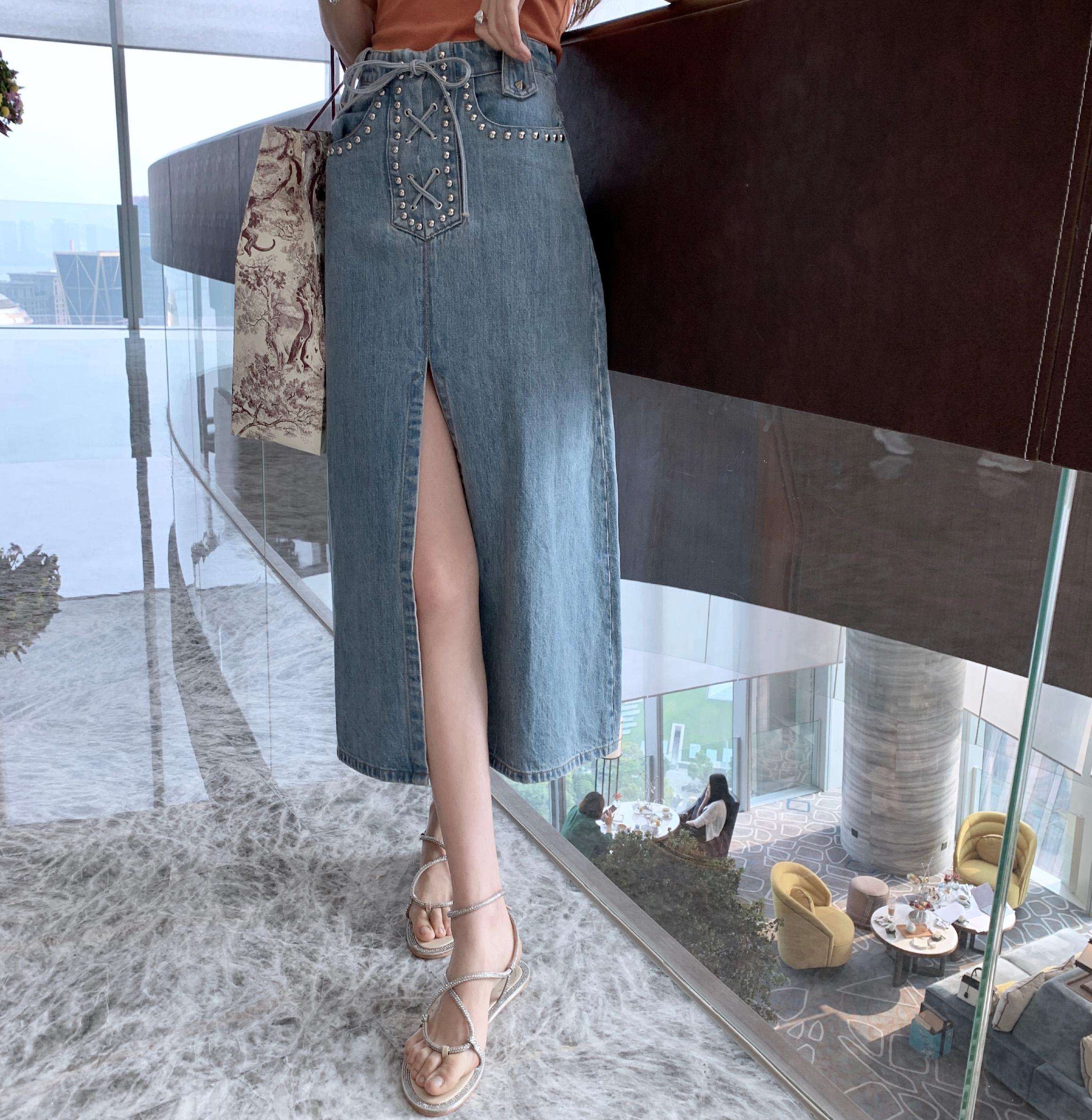 FBB李明萱2019夏季新款铆钉高腰开叉牛仔半裙复古绣花半身裙女