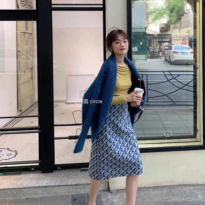 复古高腰半身毛呢裙2019气质新韩版东片式大门v半身感一秋冬包臀裙