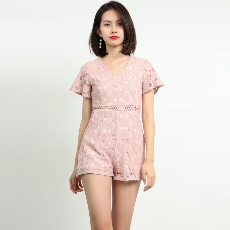 蕾丝拼接连体裤女夏2019新款矮个子穿搭搭配女装修身显高阔腿短裤