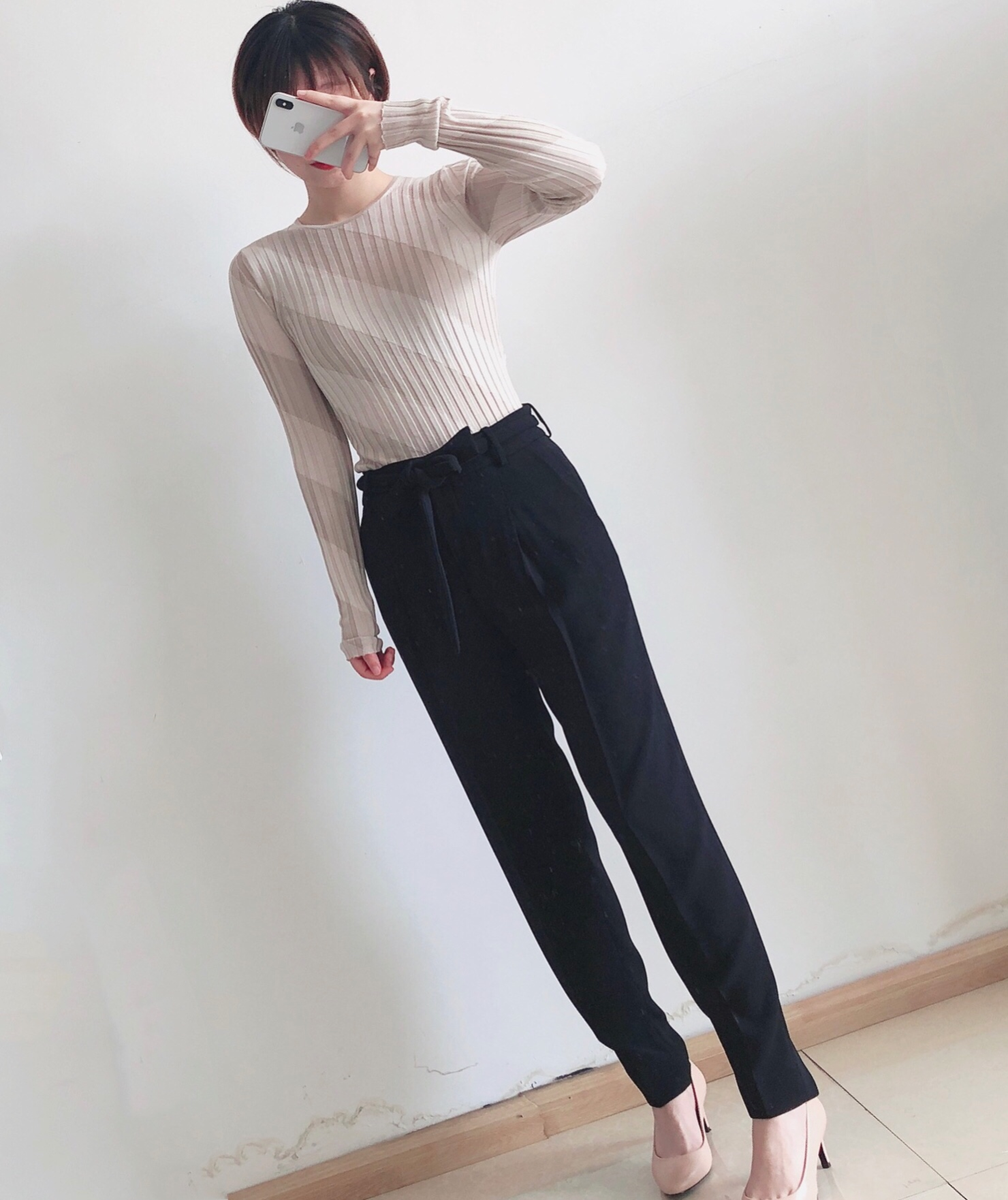 Theory 希尔瑞 桑蚕丝坑条纹 女式针织衫 J1212702 M码2.5折$75.25 海淘转运到手约¥551 天猫¥1920
