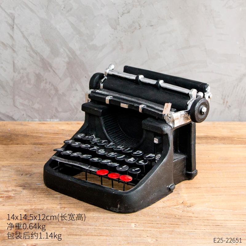 Цвет: Черный пишущая машинка