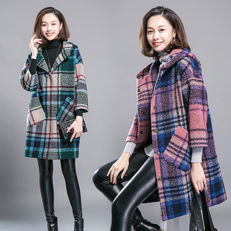 粗花呢格子毛呢外套女中长款秋冬连带戴帽子宽松休闲呢子妮大衣。