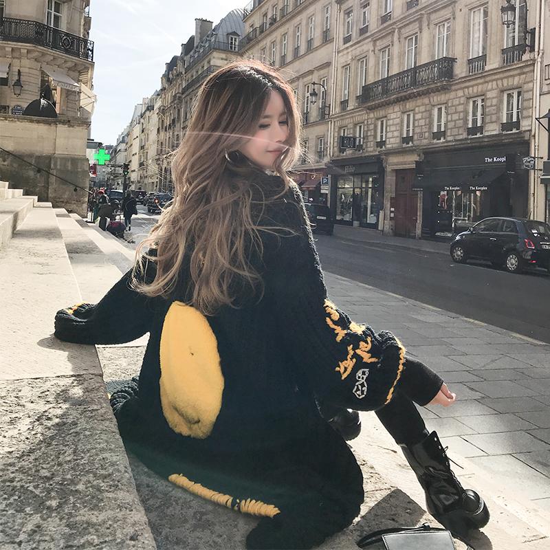 金美希2018冬季新款笑脸黑色中长款麻花毛衣开衫外套女BNM84259