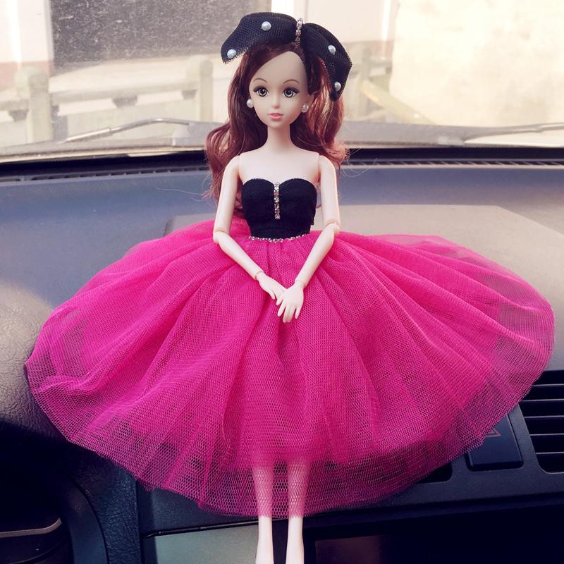 车载娃娃摆件真眼芭比娃娃汽车内饰品女生礼物中控台摆件