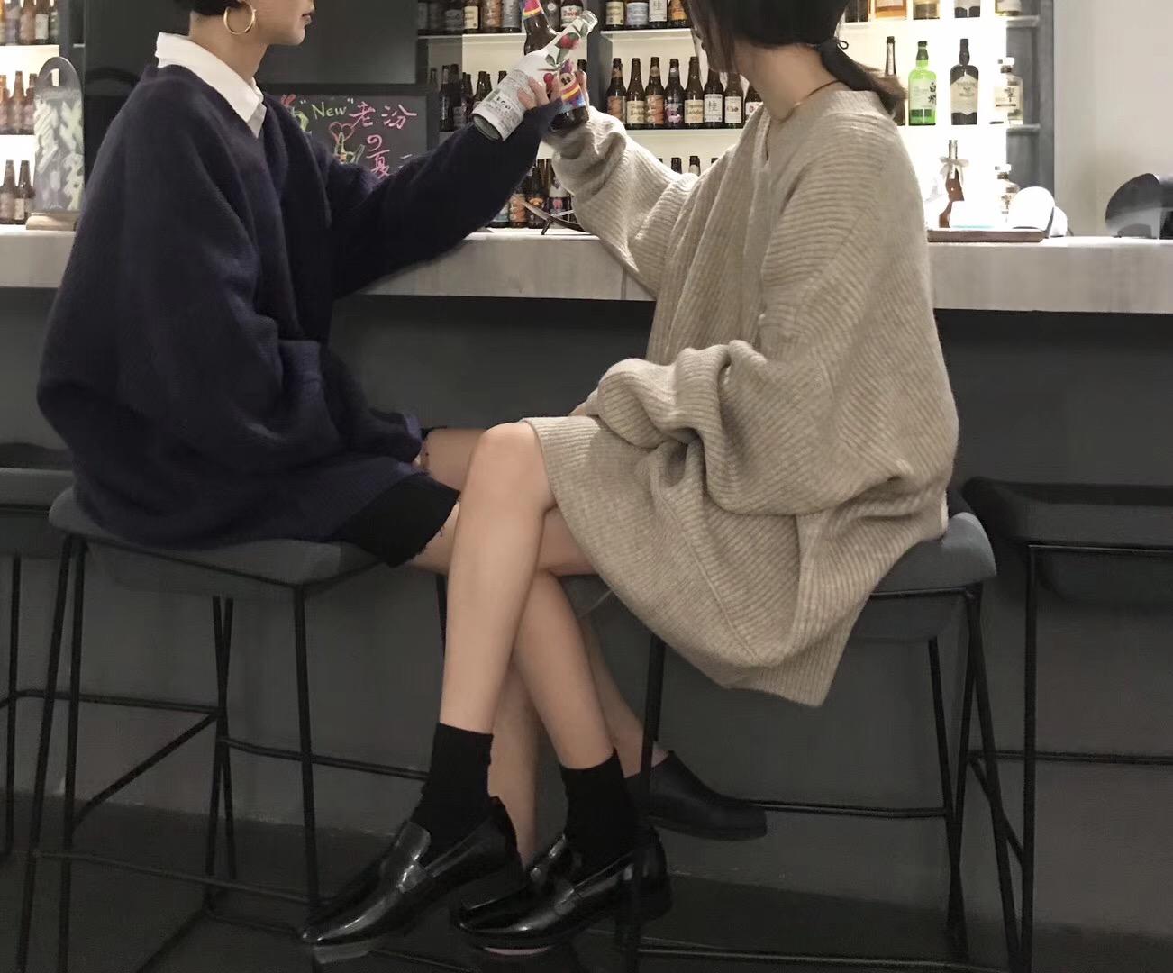 宽松厚实慵懒坑条软糯V领套头针织衫女秋冬韩版复古中长款毛衣裙