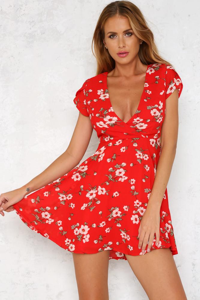 dc0ce16b78b47 Sıcak Stil Yüksek Kalite Kısa kollu V Yaka Elbise Çiçek Baskı Parti Elbise  Seksi Çiçekli Mini Elbiseler