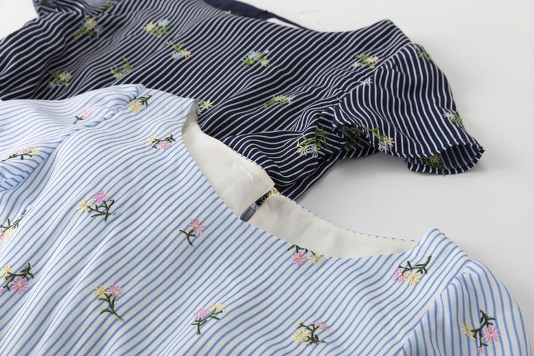 Qianjin Gui P 18 mùa hè hè một làn gió hoa thêu sọc eo đầm với vành đai
