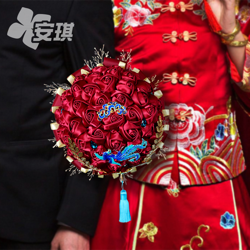 Ancient Chinese bride bouquet Dragon and phoenix show wo service fan wine red wedding ceremony wedding photo props