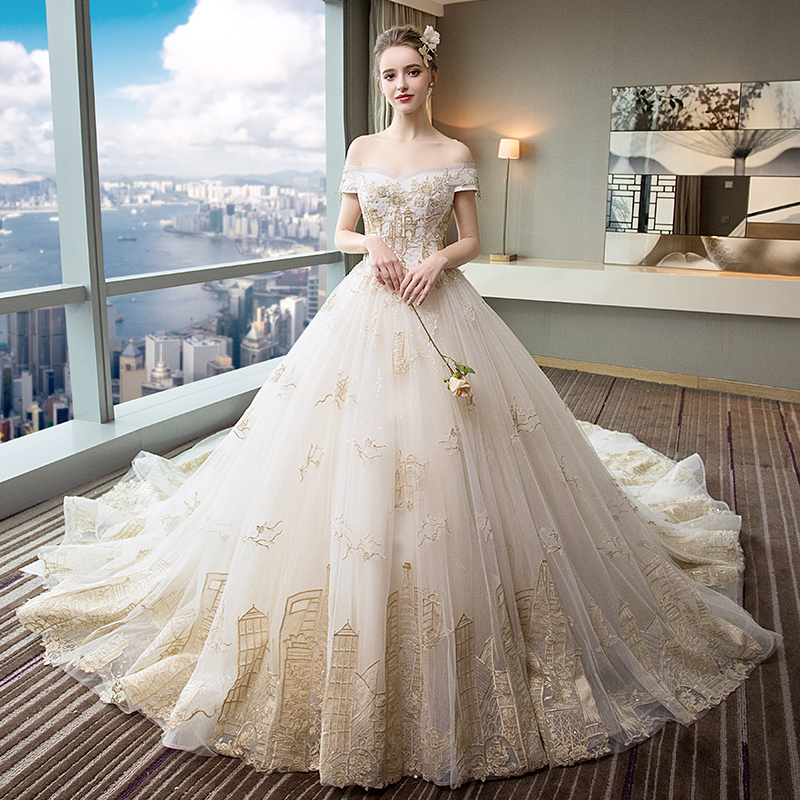 5c07c837126 Wedding dress 2019 New shake with the same paragraph large size was thin  pregnant women bride court word shoulder Sen long tail