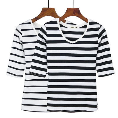 2017 spring and summer women's thin navy wind five-point sleeves v-neck striped t-shirt women black and white stripes Slim sleeve jacket