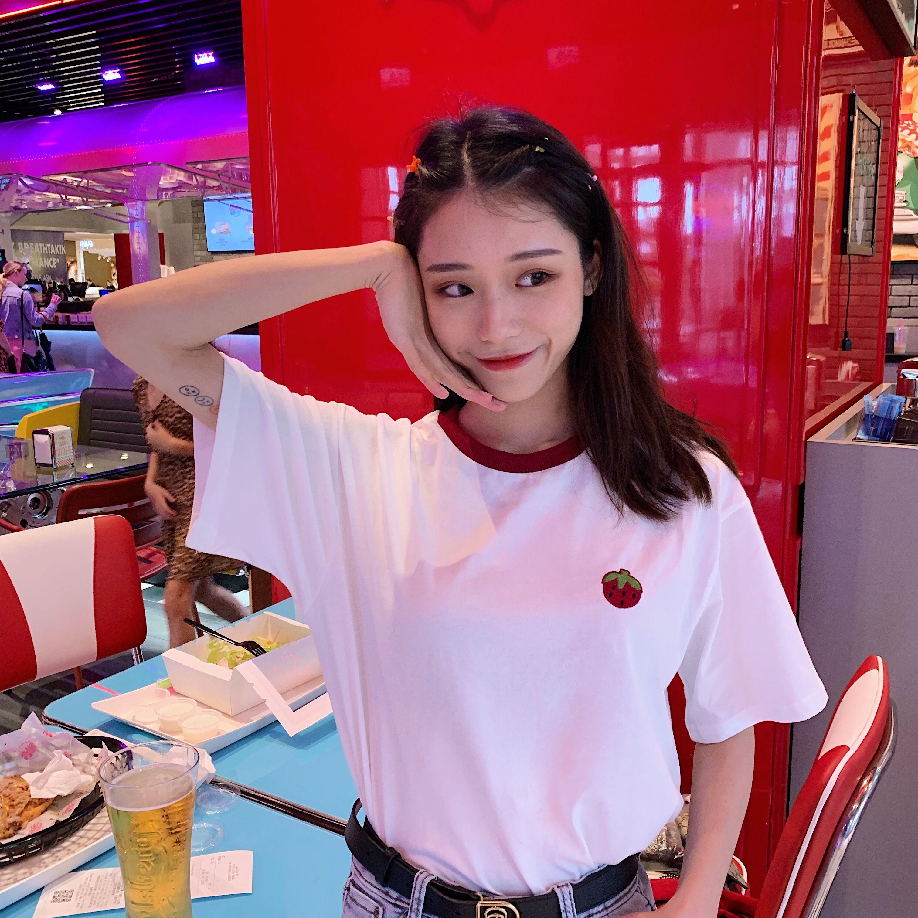dch新款短袖顺滑的草莓t恤你的小圆领拼色可爱均码纯棉