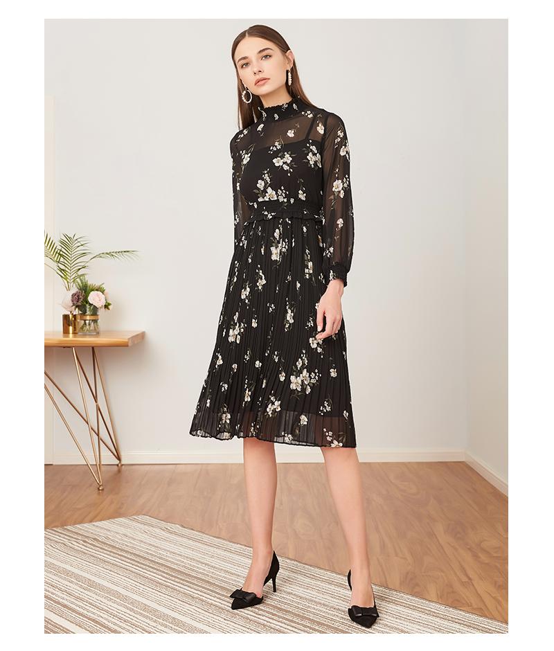 拉夏贝尔2018秋季新款连衣裙女士韩版气质黑色百褶裙中长裙子