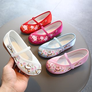 Embroidered shoes old Beijing girl Xia Zhongguo national wind princess shoes tendon at the end skid Children pupils Hanfu shoes