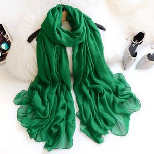 新款纱巾女春秋墨绿色围巾纯色雪纺沙滩披肩冬季深宝石绿丝巾长款