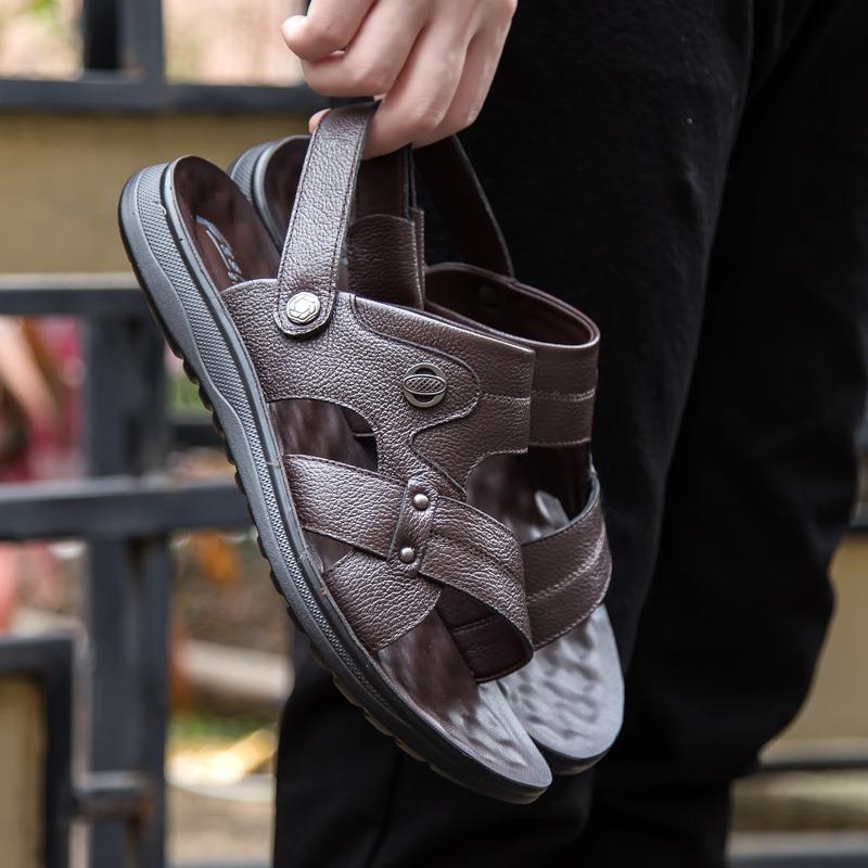 拖鞋男士夏季2021新款沙滩鞋外穿中老年防滑软底休闲爸爸真皮凉鞋(男士夏季防滑软底真皮凉鞋)