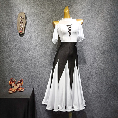 Modern dress black-and-white collision dress with fishbone sway