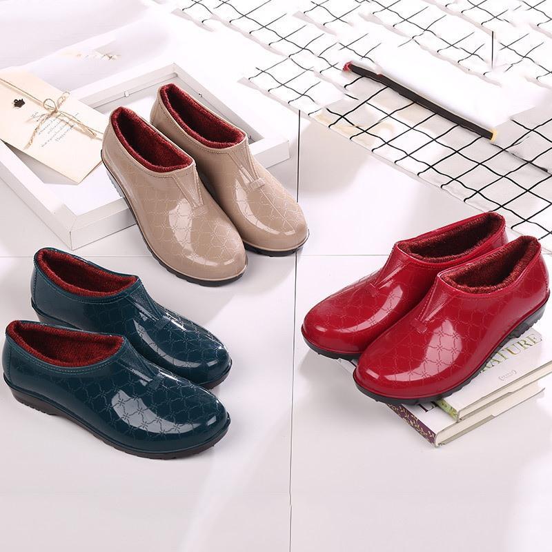 Giày đi mưa ngày của phụ nữ cộng với xô bông nhà bếp Giày mưa ngắn có thể mang giày không thấm nước nữ chống trượt mưa thời trang - Rainshoes