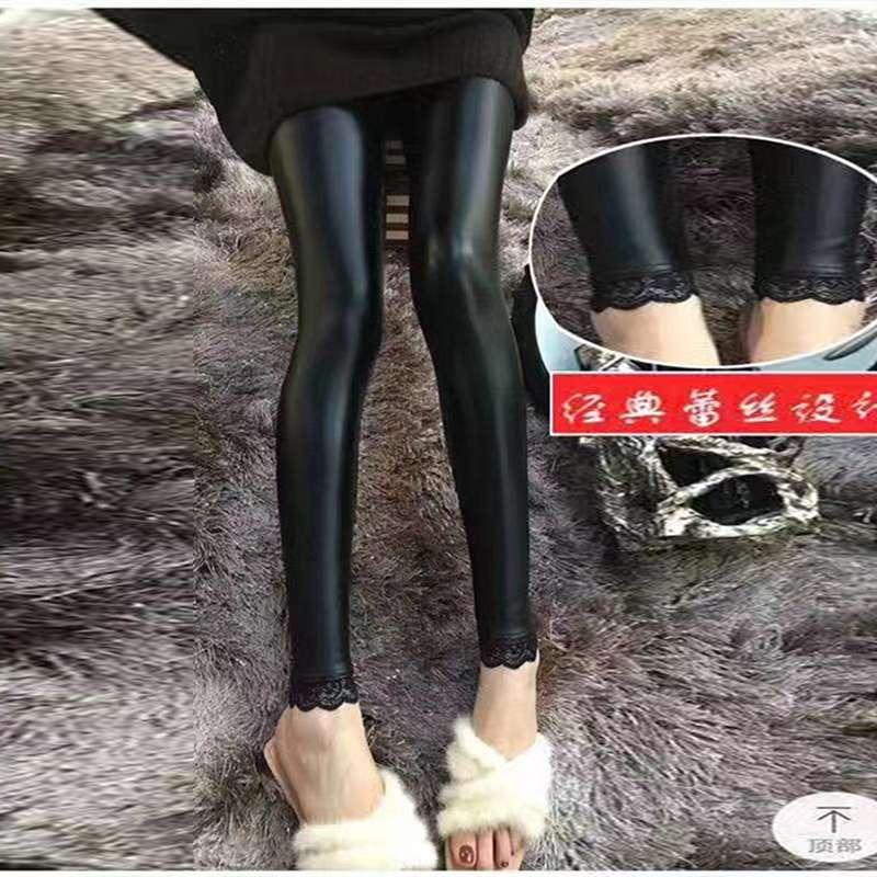 2019秋冬季新款大码女裤蕾丝拼接皮裤胖mm时尚紧身200斤加肥百搭