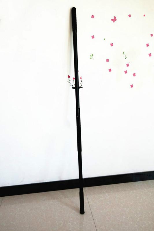 Một gậy chống bạo lực Qi Mei dính gậy chống cháy khẩn cấp dính võ thuật kết nối hai phần kết hợp bảo vệ gậy dài - Taekwondo / Võ thuật / Chiến đấu