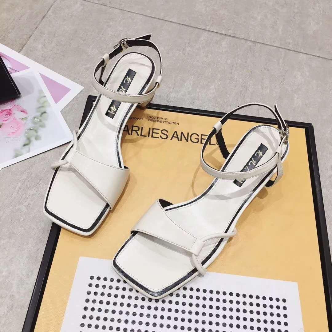 2020夏季新款网红凉鞋女粗跟高跟鞋时尚性感一字扣带中跟罗马鞋子